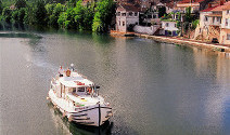 Barging-holidays-in-france-on-river-lot-by-villeneuve-sur-lot-1200_ASmall pic
