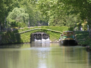 Canal_du_Midi_Peaceful_Afternoon
