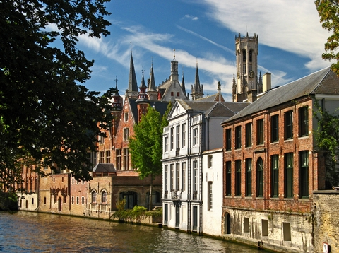 Canalside_Town_in_Bruges