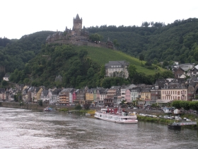 Castle_on_the_Rhine