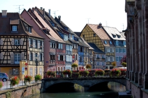 Colmar_Village_Web