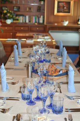 Dinning_Table2